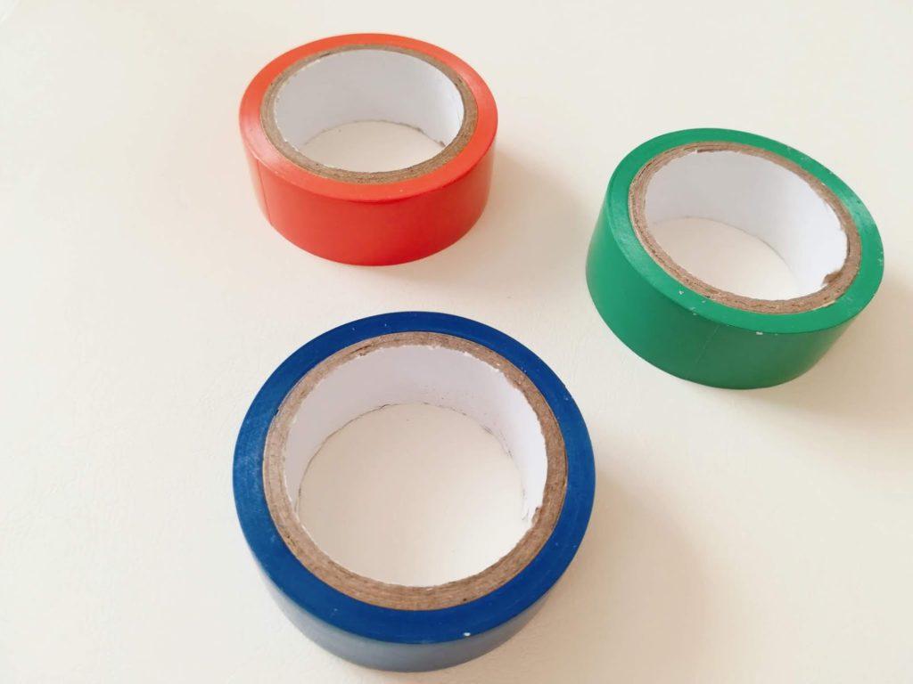 オレンジ、緑、青というミッフィーカラーのビニールテープ