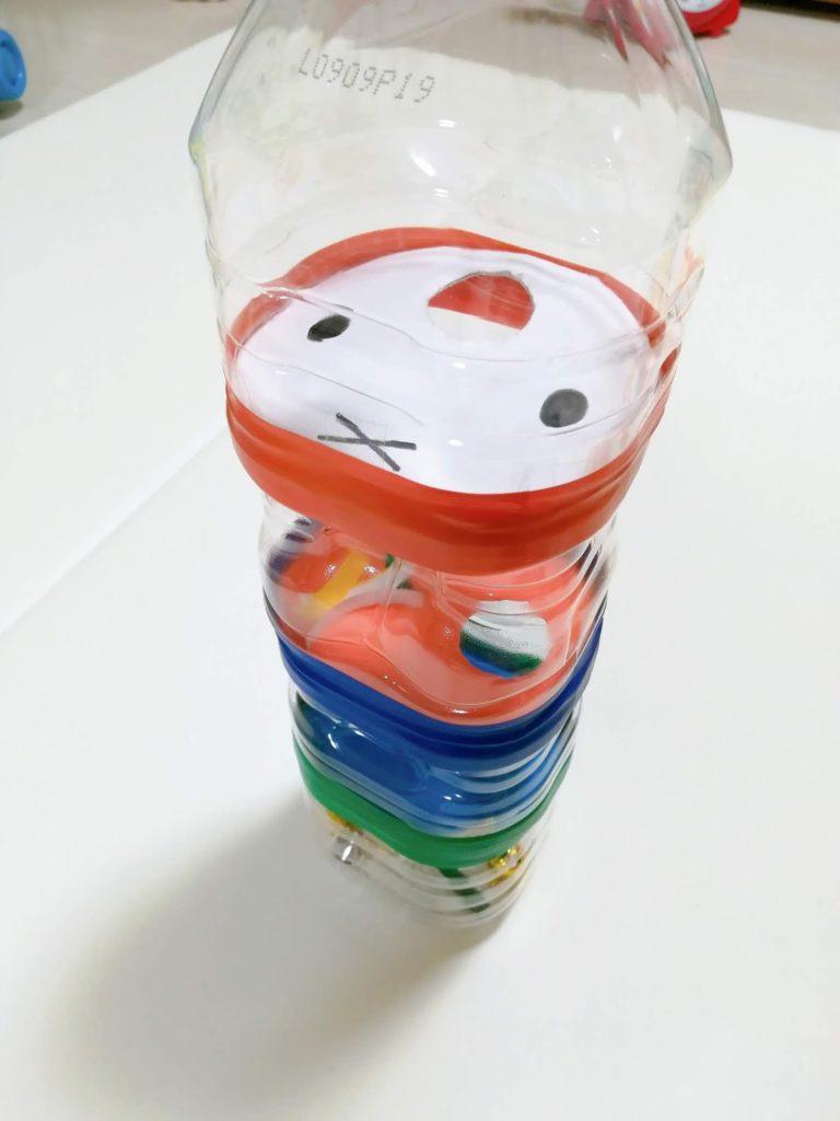 ペットボトルで手作りした「ミッフィーの鈴落とし」おもちゃ完成図