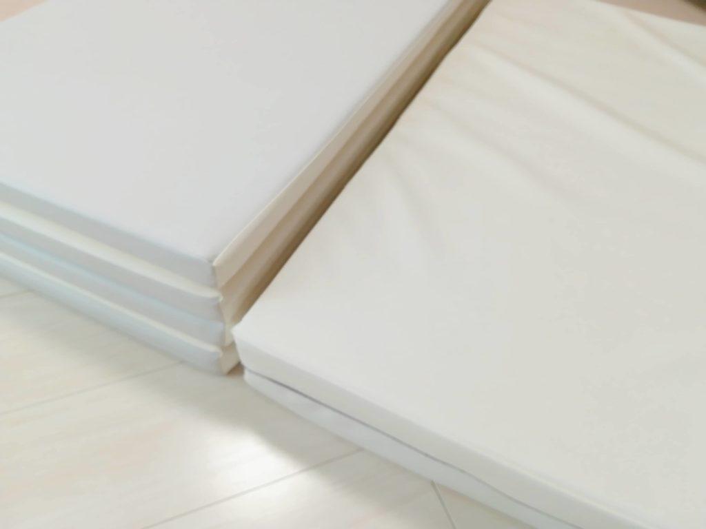赤ちゃんのベッドからの転落対策としてのクッション・マット比較