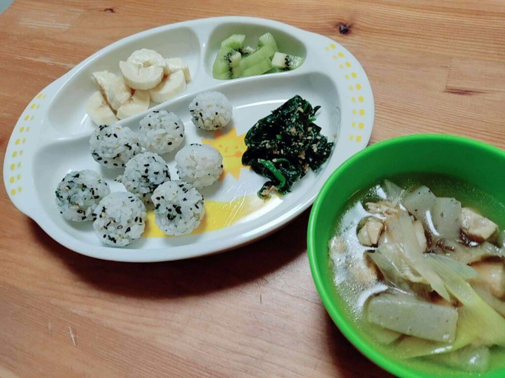 ごはん・米を食べない1歳児が食べたレシピ・メニュー:ふりかけおにぎり