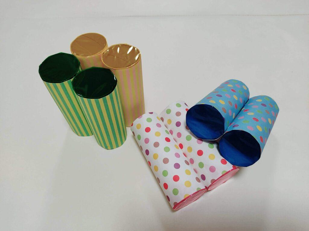 カラーセロファンとトイレットペーパーの芯で作る「色めがね」の完成図、いろいろバージョン