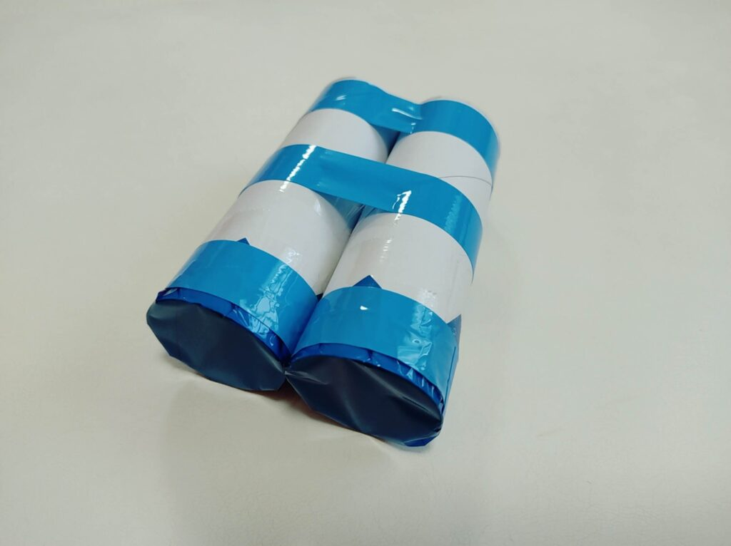 カラーセロファンとトイレットペーパーの芯で作る「色めがね」初代